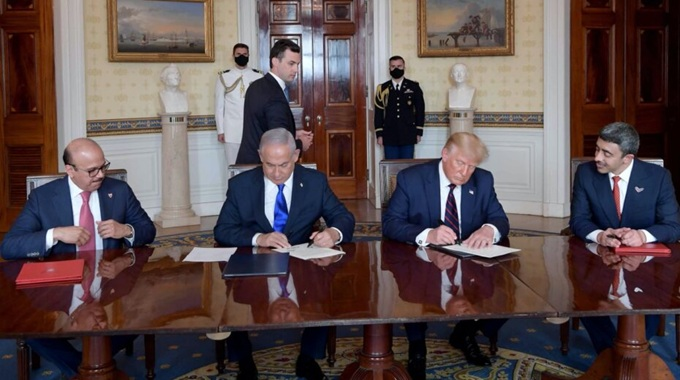 vign3_white-house-signing-Biblical_Prophecy